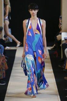 Платье с принтом на лето
