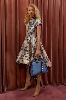 Платье с принтом миди атласное