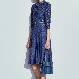 Платье с принтом миди синее