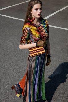 Платье с принтом трикотажное яркое