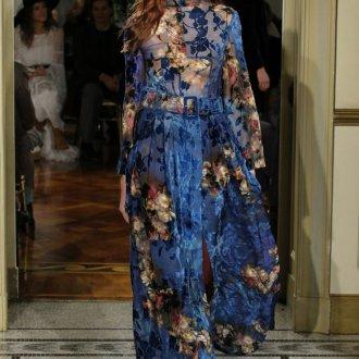 Платье с принтом вечернее синее