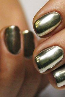 Маникюр с втиркой жидкий бриллиант на короткие ногти