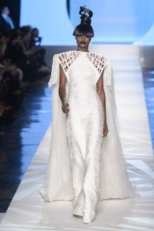 Шелковое платье белое в пол