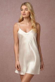 Шелковое платье короткое