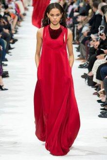Шелковое платье красное