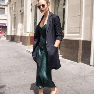 Шелковое платье с пиджаком