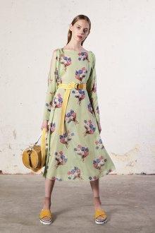 Шелковое платье с разрезом на рукавах