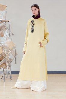 Шелковое платье желтое