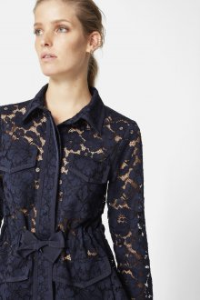 Кружевная блузка с бантом