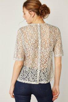 Кружевная блузка цветочная