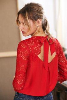 Кружевная блузка красная