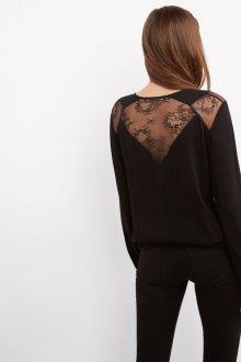 Кружевная блузка со вставками