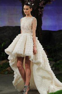 Пышное свадебное платье асимметричное