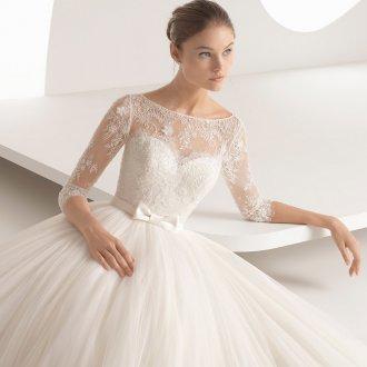 Пышное свадебное платье с бантиком