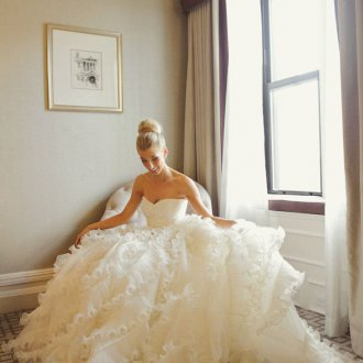 Пышное свадебное платье с драпировкой