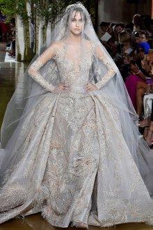 Пышное свадебное платье необычного кроя