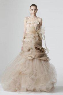 Пышное свадебное платье нюдовое