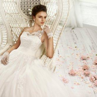 Пышное свадебное платье на одно плечо