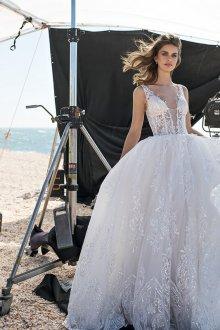 Пышное свадебное платье с прозрачным лифом