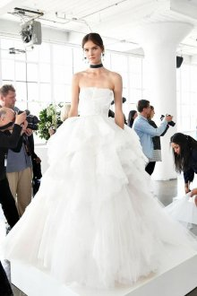 Пышное свадебное платье из тюля