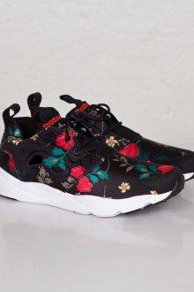 Черные кеды с цветочные