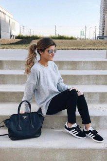 Черные кеды с джинсами
