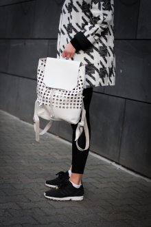 Черные кеды модный лук