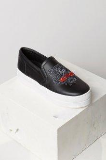 Черные кеды с вышивкой