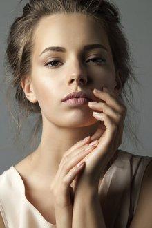 Нюдовый макияж лица