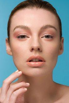 Нюдовый макияж теплых тонов