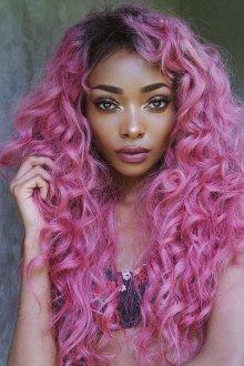 Длинная стрижка 2018 на розовые волосы
