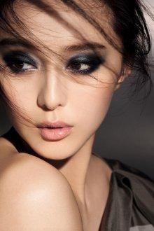 Восточный макияж графичный