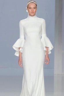 Расклешенное платье белое