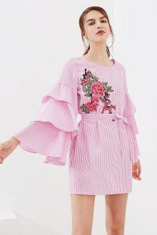 Расклешенное платье в полоску