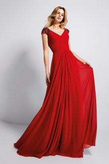 Расклешенное платье от талии