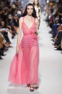 Платье с фатином длинное