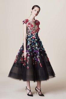 Платье с фатином объемные
