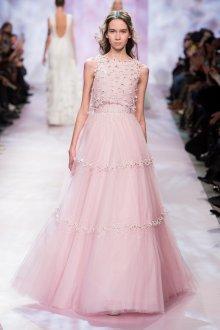 Платье с фатином пастельного оттенка