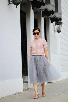Платье с фатином вязаное