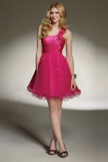 Платье с фатином яркое