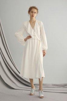 Платье с воланами белое