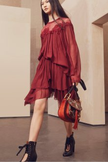 Платье с воланами бордовое шифоновое
