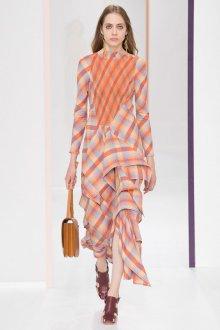Платье с воланами клетчатое