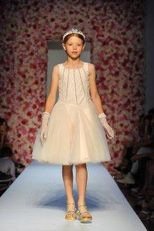 Вечернее платье для девочки блестящее