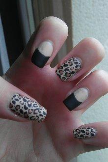 Черный маникюр леопардовый