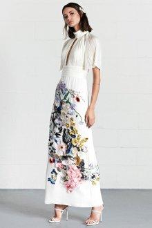 Платье карандаш с объемным декором