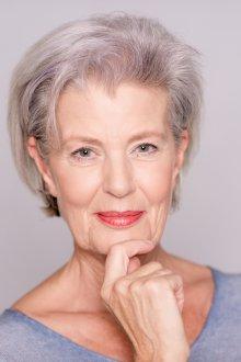 Возрастной макияж карандашом