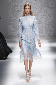 Blumarine весна лето 2019 ажурное платье