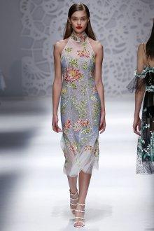 Blumarine весна лето 2019 платье футляр