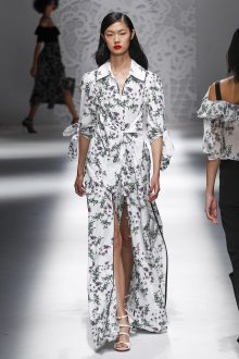 Blumarine весна лето 2019 пальто